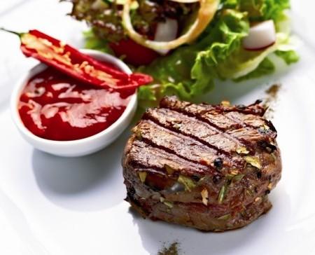 stek z grilla na mięśnie