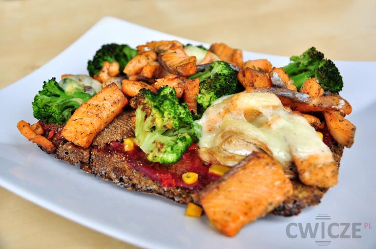 Dietetyczna pizza – ciasto z brokułów
